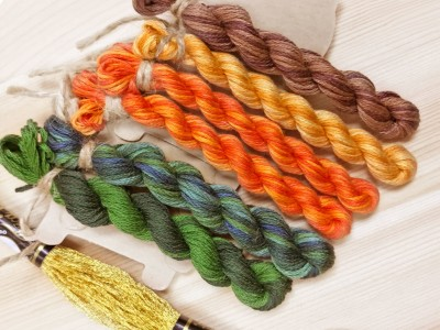 "Set of OwlForest Hand-Dyed Threads for the Embroidery Chart ""Tangerine Garland"" (Finca)"
